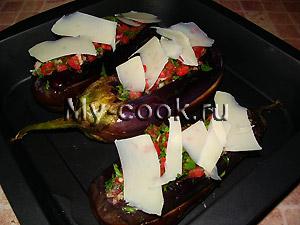 Баклажаны с томатной начинкой