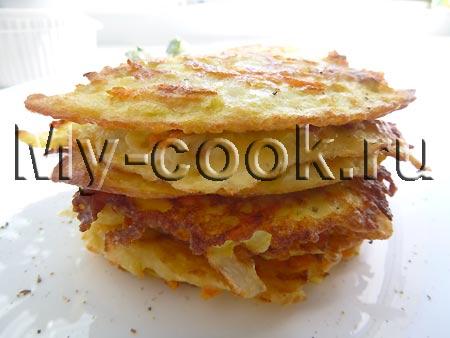 Драники из кабачка с огуречным салатом