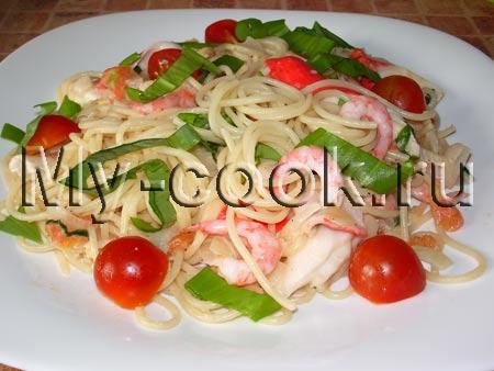 Спагетти с черемшой и морепродуктами