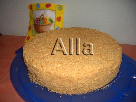 Как украсить бисквитный торт кремом